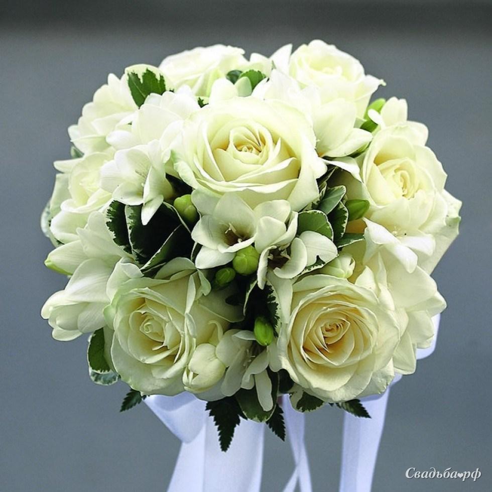 Свадебный букет невесты 1000 рублей спб, ромашки колокольчики